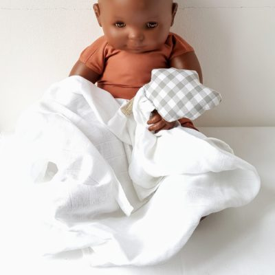 doudou nuage vichy bébé mannequin