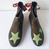 boots kaki étoiles ruban fleurs roses 2