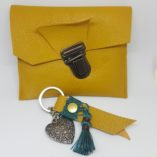 pochette et porte-clef cuir safran